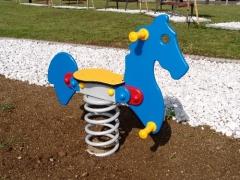 Rugós játék lovacska